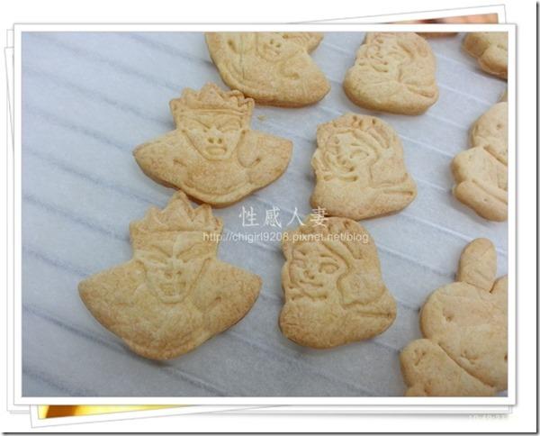 13-12-11 卡通壓模餅乾製作-17
