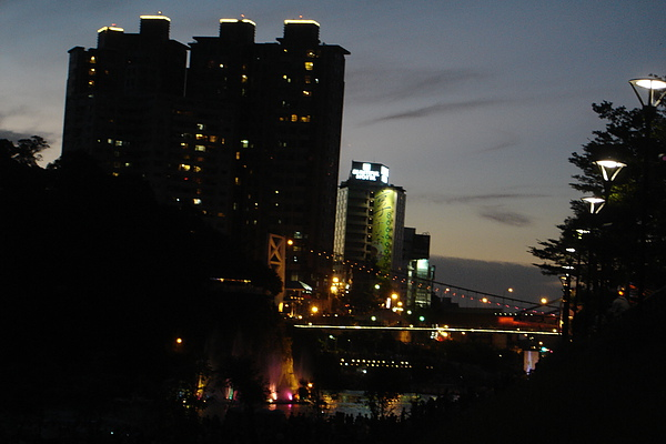 碧潭橋夜色