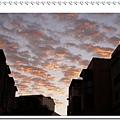日出前的雲彩