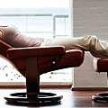 Unique-and-Comfortable-Seating-Design-for-Home-Interior-Furniture-Stressless-Seating-by-Ekornes-Red-Chair