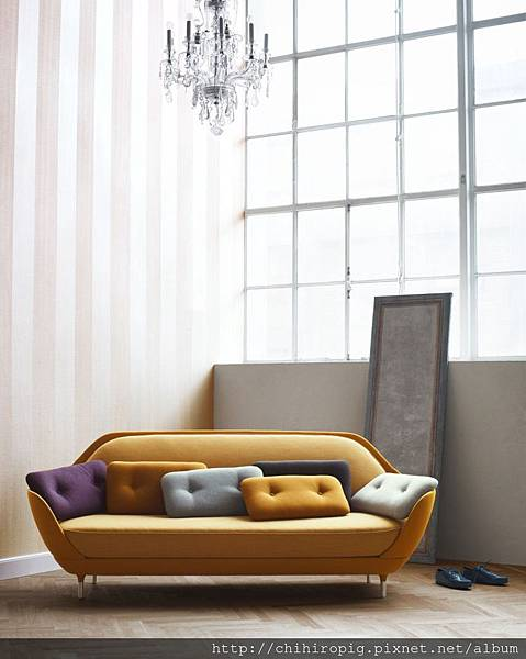 New-Design-Favn-Sofa-by-Jaime-Hayon-for-Fritz-Hansen-photo-06.jpg