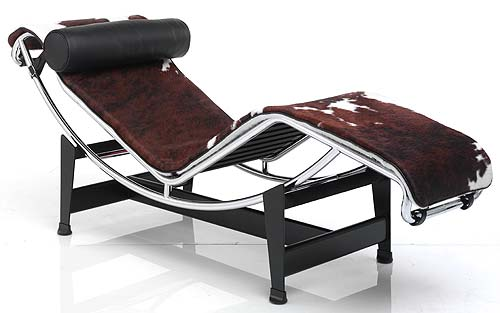 Le_Corbusier_LC4_Chaise_Longue_Cowhide_and_le_corbusier_lc3.jpg