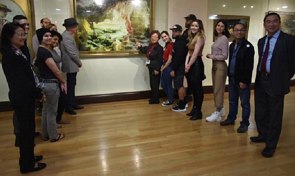 紐約藝院師生 來舊金山美國國際藝術館臨摹3.png