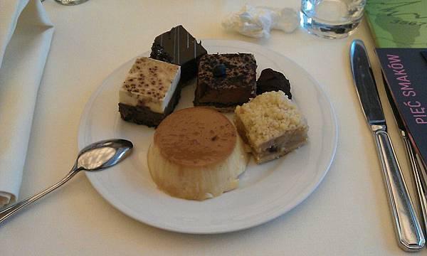 Hotel InterContinental的buffet裡的蛋糕