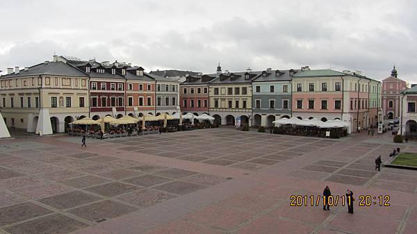 市政廳看廣場