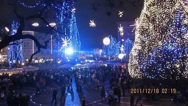 夜晚的派沙崙廣場