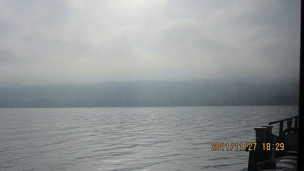 霧茫茫的法國Evian