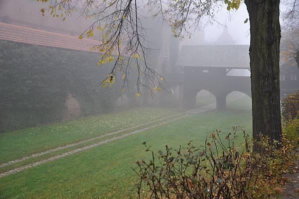 Malbork城堡門前的壕溝