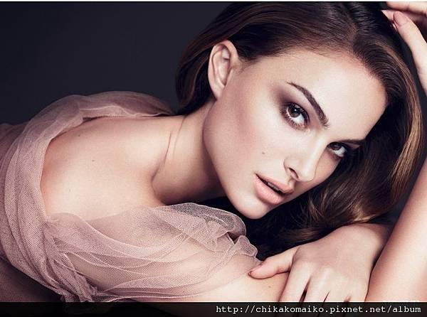 娜塔莉波曼Natalie Portman為Dior迪奧光柔恆色水潤精華底妝系列2.jpg