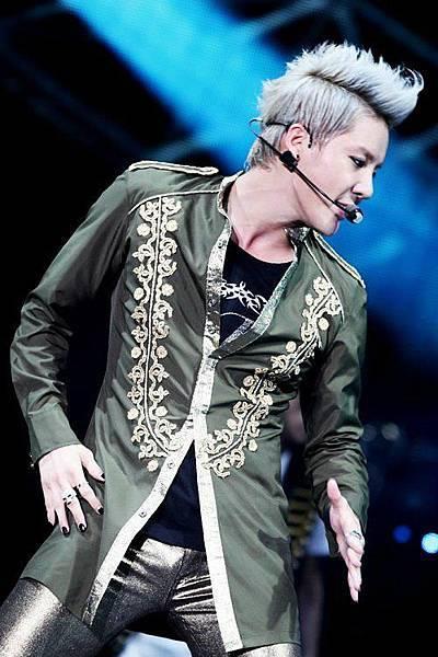 20120623 Xia 1st Asia Concert in Taiwan 15