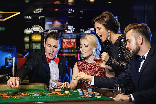 young-rich-people-playing-roulette-casino-min.jpg