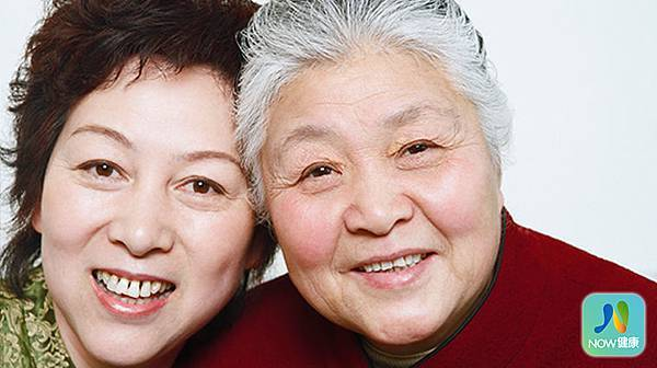 (焦點輪播)圖片:老人缺牙只能吃軟食? 植牙後意外讓癌症婦挺過化療.jpg