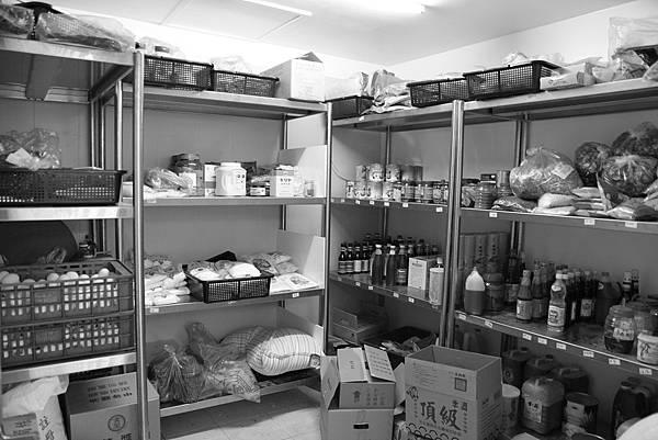 乾貨.調味香料及各種耗材用品貯藏區
