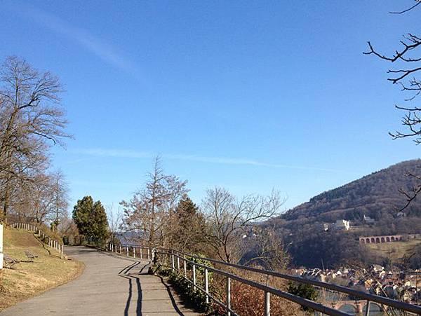 0222 at Heidelberg - 哲學之道 令人心情舒暢的藍天