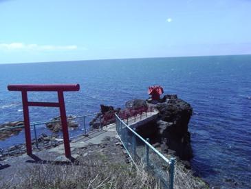 0514利尻島巡りー北のいつくしま弁天宮.JPG