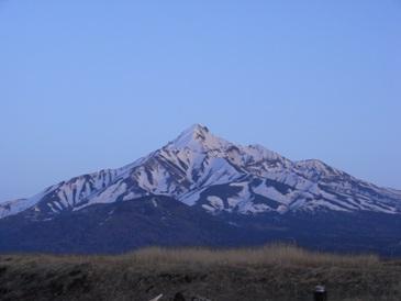 0514利尻島ー夕日に染められた利尻富士山.JPG