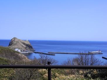 0515利尻島でのサイクリング(ぺシ岬へ展望).JPG