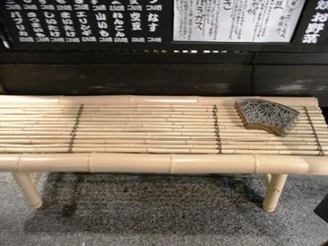 0516京都・先斗町(店前の竹製席).JPG