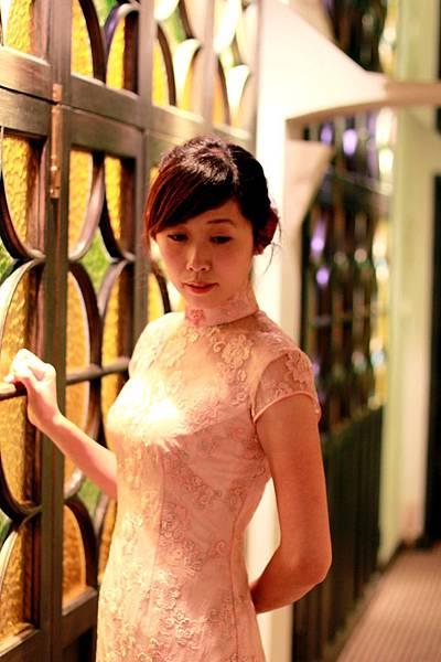 20110802劉小姐褀袍改短遊上海的照片04