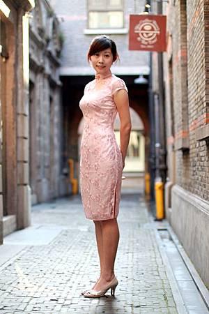 20110802劉小姐褀袍改短遊上海的照片03