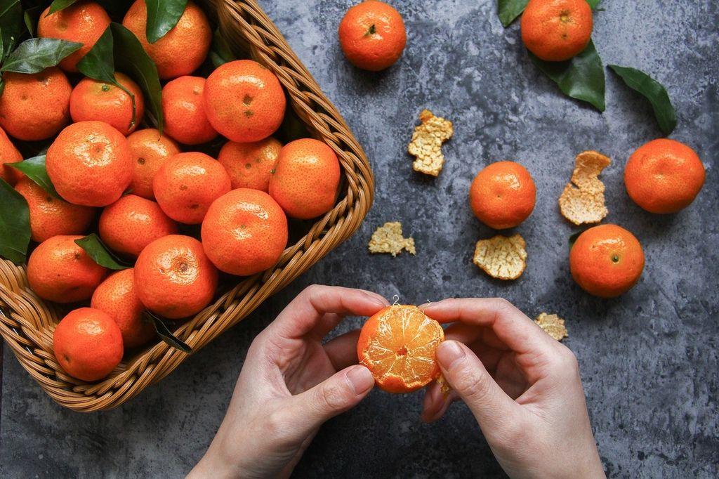 【步驟一】確實清洗橘子外皮,避免農藥殘留。