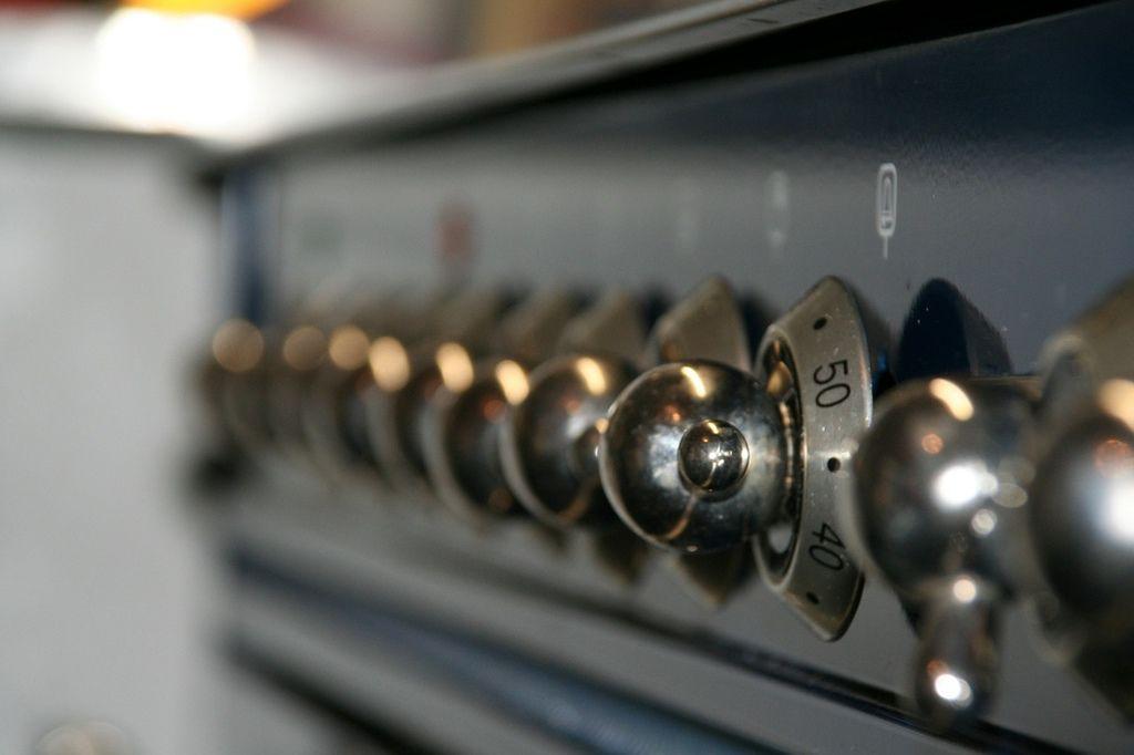 【步驟五】用錫鉑紙包起來,幫助受熱均勻放入烤箱約 5-10 分鐘(這裡用的是小烤箱)。