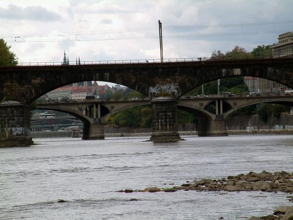 伏爾塔瓦河與石橋