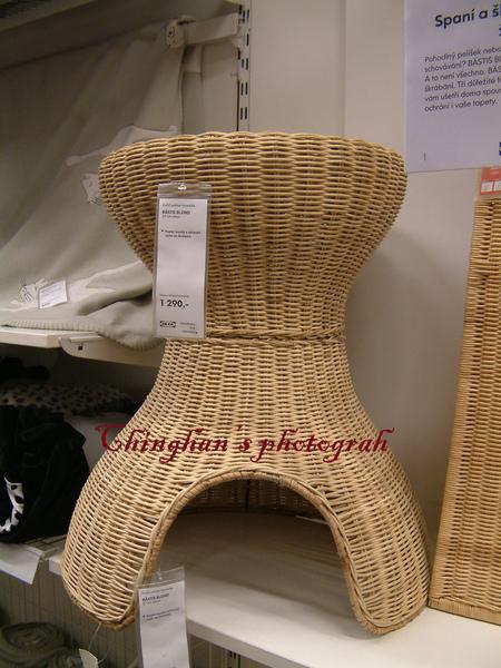 貓用的椅子,可以給貓睡覺玩遊戯及磨貓抓,很好用的商品。
