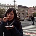 吃吃看匈牙利的傳統餅(派),鹹的甜的都有,還能接受。