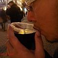 匈牙利名產之一,熱紅酒。天冷來一杯很不錯