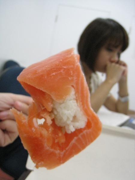 我的晚餐~冷凍過後的握壽司