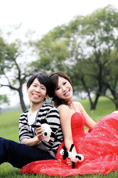 IMG_1750第四套紅色禮服.JPG