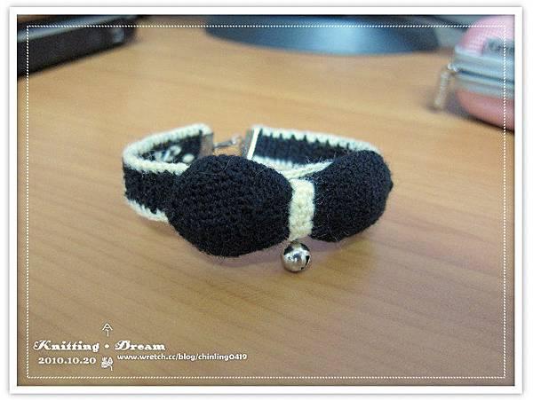 momo的黑色復古蝴蝶結項圈