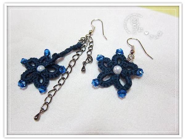 耳環】深藍色花形蕾絲編織