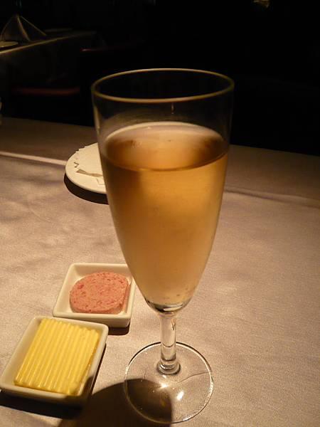 餐前酒- 有酒味的香檳