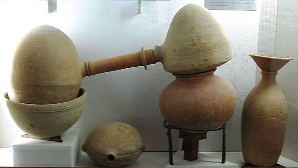 陶製蒸餾器.jpg