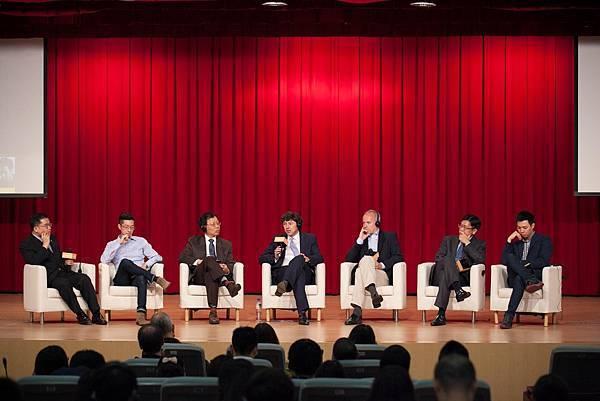 G7高壇論壇-7位講者共同商討未來威士忌發展趨勢.jpg