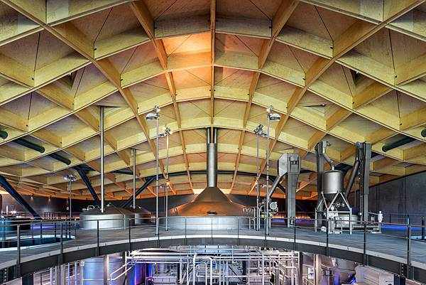 macallan-distillery-rogers-stirk-harbour-partners-architecture-scotland_dezeen_2364_col_5.jpg