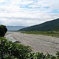 石礪遍佈的河谷.JPG
