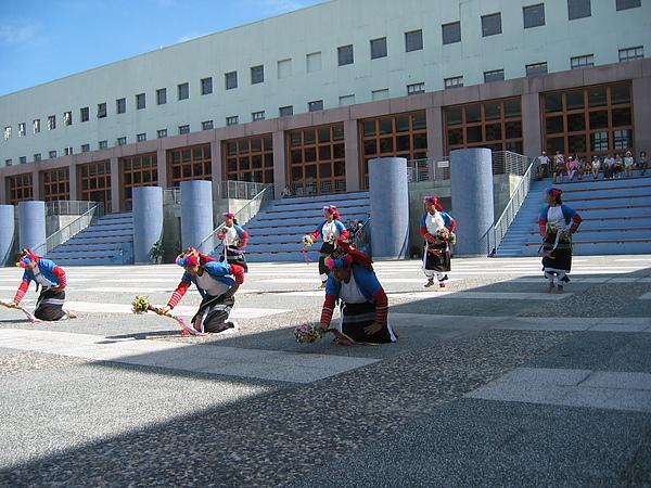 原住民舞蹈表演1.JPG