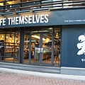 Caffe Themselves (1).JPG