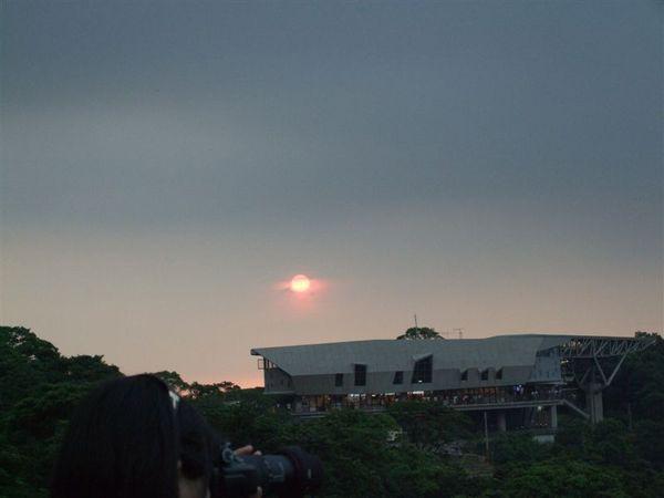 貓空站與夕陽