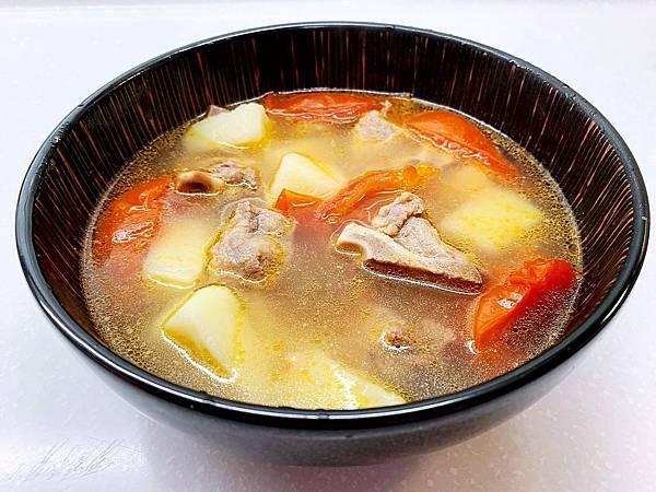 蕃茄薯仔豬骨湯-1