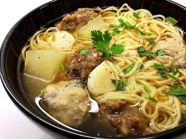 蒜香芋頭丸排骨酥麵-1