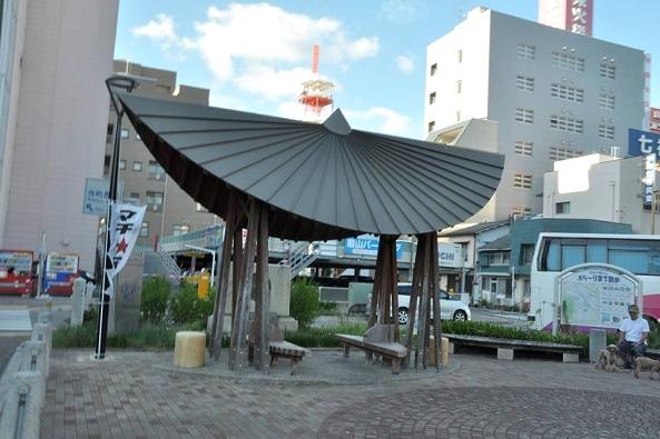 德島-阿波舞帽子造型涼亭.jpg