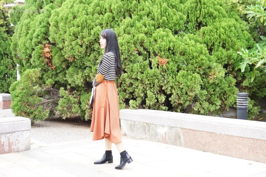 日本樂天購物osharewalker日系裙子秋天土色不規則裙穿搭21.JPG