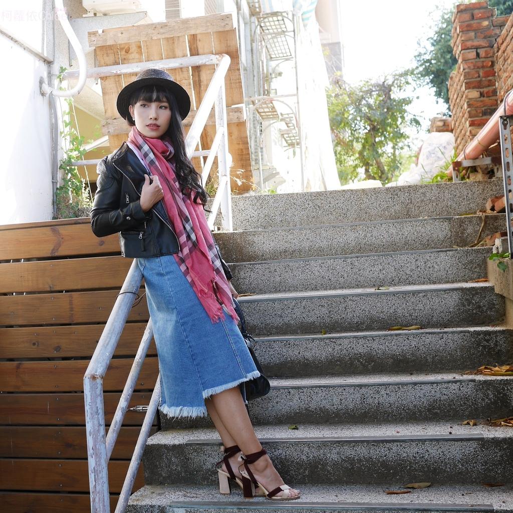 burberry輕盈格紋羊毛絲綢圍巾 四種綁法穿搭分享30.JPG
