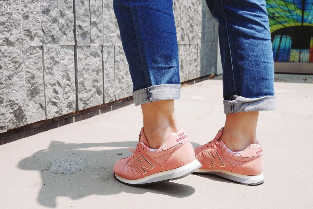 微甜輕運動時尚穿搭 New Balance 520 復古運動鞋 女鞋 粉紅 WL520AA_8.JPG