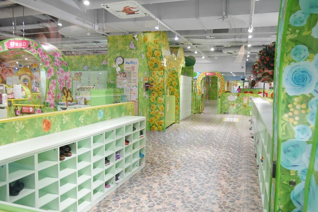 親子景點 親子樂園推薦 玩中學室內遊樂園 騎士堡 台南愛麗絲的家_14.JPG