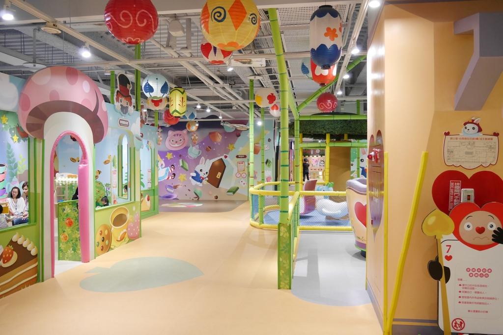 親子景點 親子樂園推薦 玩中學室內遊樂園 騎士堡 台南愛麗絲的家_20.JPG